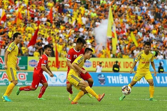Tân binh Nam Định đang gặp rất nhiều khó khăn tại V-League.