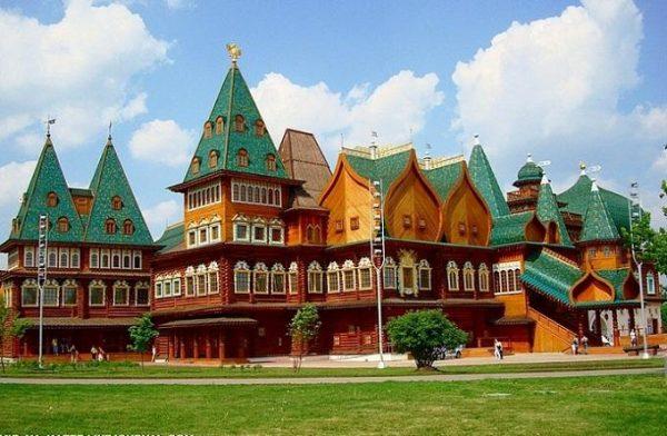 cung điện mùa hè ở nga xây năm nào