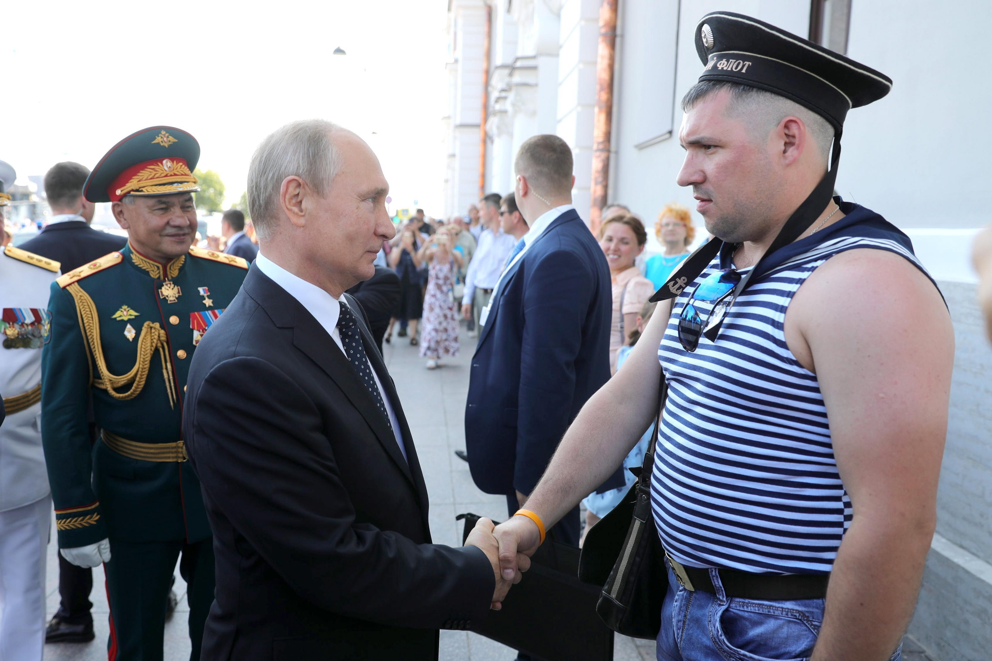 Putin va nuoc Nga thay đổi như thế nào khi ông lên nắm quyền